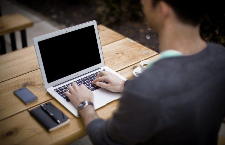 Quelle est la différence entre le Home Office et le télétravail ?